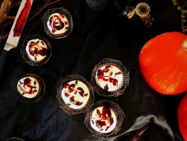Cupcakes ensanglantés chocolat blanc framboise