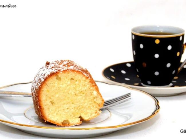 Gâteau au Yaourt, version italienne de Nigella.
