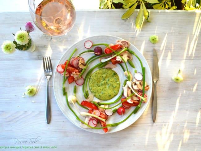 Farandole de légumes crus, asperges sauvages et green mayonnaise