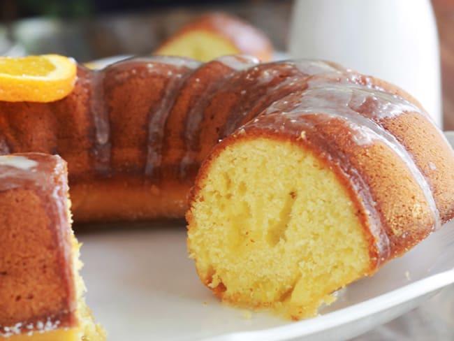 Gâteau à l'orange moelleux et son glaçage à l'orange