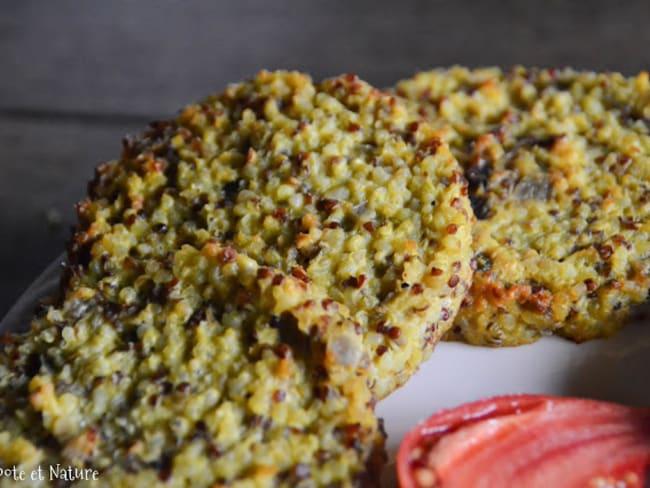 Galettes au quinoa, boulgour, oignons rouges parfumées au curry jamaïcain