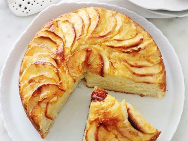 Gâteau au yaourt aux pommes hyper moelleux