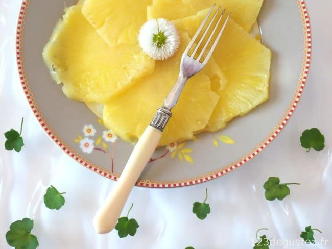 Comment couper un ananas et le préparer facilement