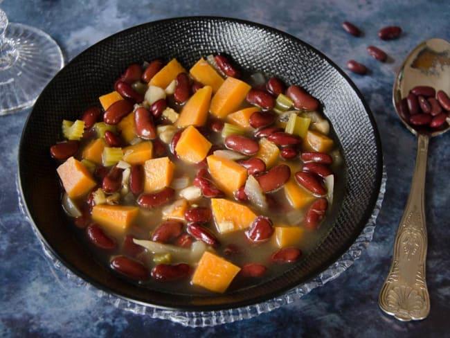Soupe épicée patate douce haricots rouges