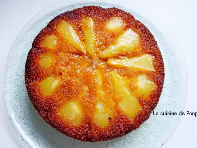 Gâteau aux poires caramélisées parfumées à la liqueur de poire Williams