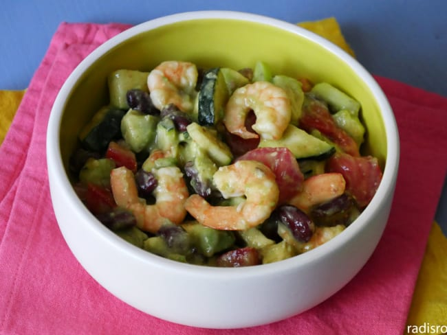 Salade de crevettes haricots noirs sauce au miel et citron vert