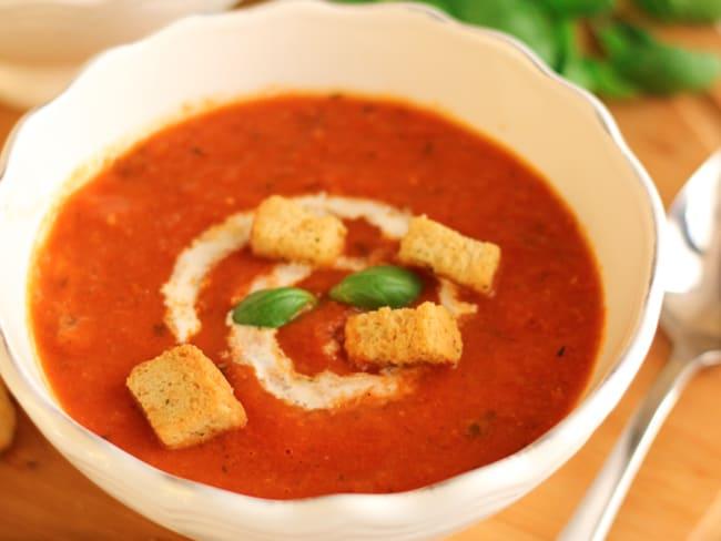 Soupe de tomates rôties au basilic