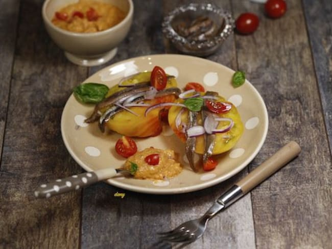 Tomate ananas anchois et condiment tomate