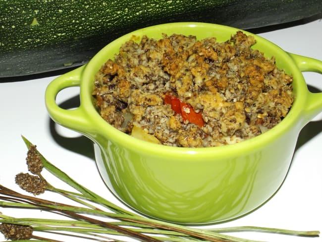 Crumble de graines de plantain aux tomates, courgettes et parmesan