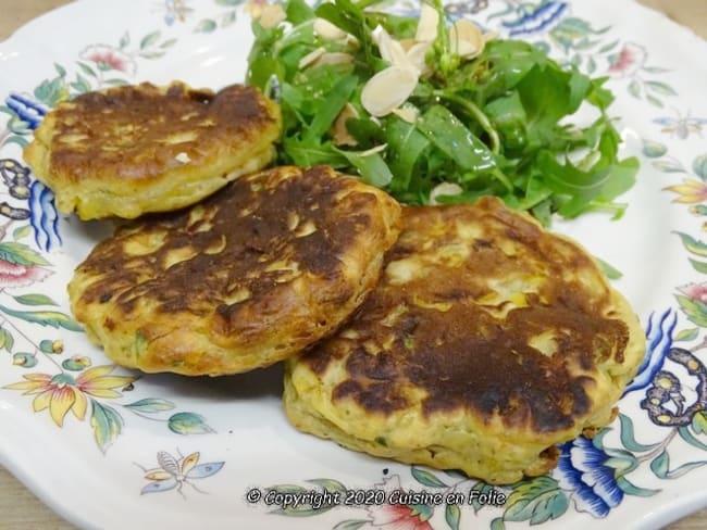 Galettes de maïs sauce yaourt citron vert et coriandre