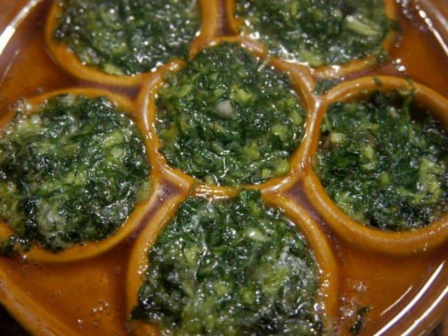 Escargots farcis à l'ail et au beurre persillé