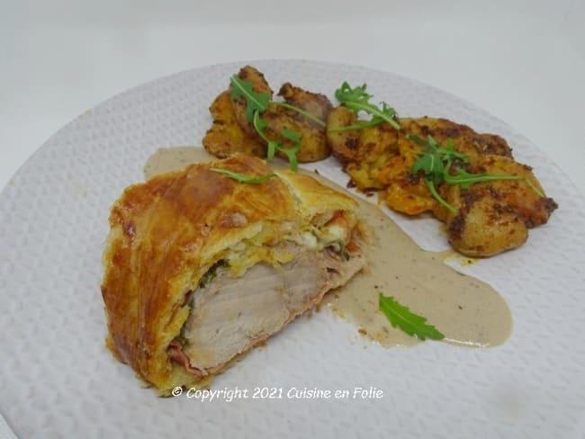Filet mignon en feuilleté à l'italienne au pesto du rosso, speck, mozzarella et roquette