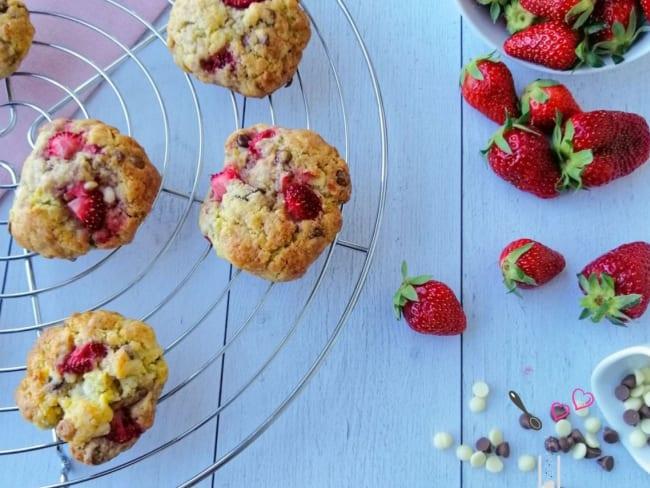 Cookies gourmands aux fraises et aux pépites de chocolat