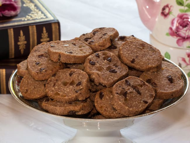 Biscuits sablés amande au chocolat et écorce d'orange confite