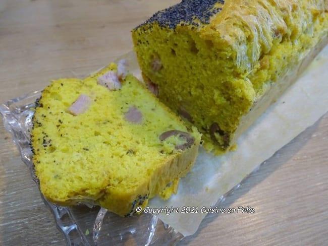 Cake au jambon, olives, fromage, origan et curcuma