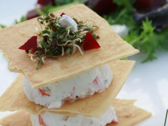 Millefeuille surimi façon cheesecake, petite salade et vinaigrette à la Rhubarbe