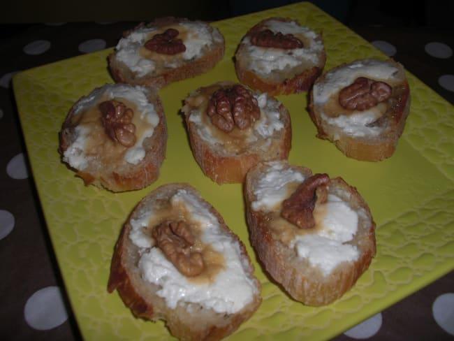 Toasts chèvre, miel et noix