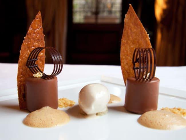 Mousse de poire aux deux chocolats et arlette cacao