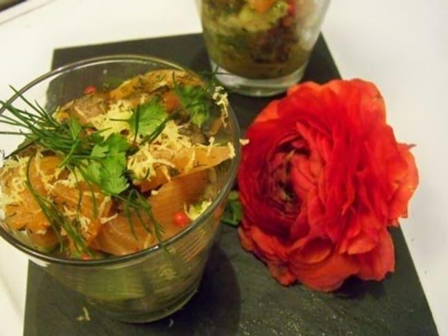 Tartare de pétoncles à l'orange sanguine, avocat, tomates cerises et fines herbes au vinaigre balsamique