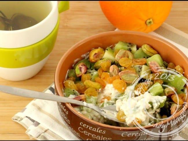 Muesli aux kiwis et pistaches
