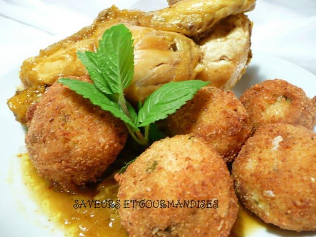 Tajine de poulet aux boulettes de couscous.