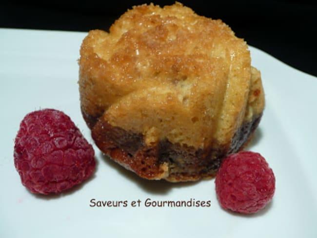 Muffins marbrés à la framboise.