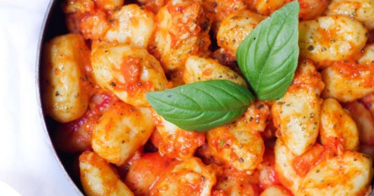 gnocchis maison sauce tomate et ch vre recette par marine is cooking. Black Bedroom Furniture Sets. Home Design Ideas