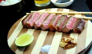 Entrecôte de boeuf d'Argentine servie à la façon japonaise