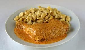 Poulet rôti, sauce aux noix