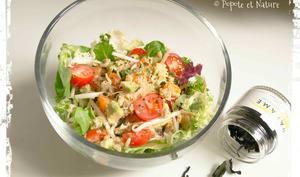 Salade de crabe, abricots frais, avocat et germes de soja frais