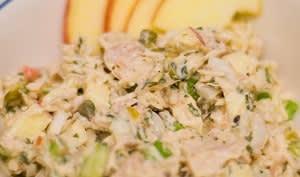 Salade de riz aux maquereaux et aux légumes