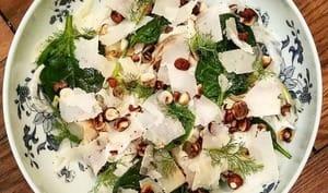 Fenouil, poire et épinards, une salade fraîche et détonante !