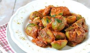 Poêlée de choux de Bruxelles à la sauce tomate