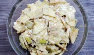 Salade d'artichauts violets crus à la moutarde