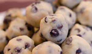 Bouchées surprises de cookie dough