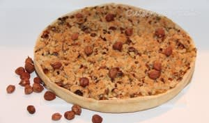 Tarte aux poireaux et fromage de chèvre, crumble aux noisettes