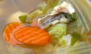 Bouillon clair aux légumes et au poisson