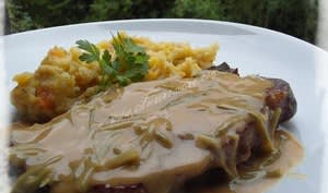 Côtes de Porc à la Sauce Charcutière