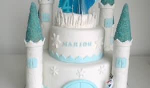 Gâteau Le château de la Reine des Neiges