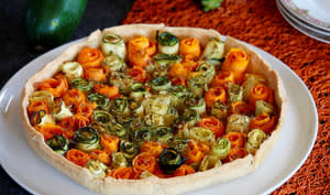 Tarte aux fleurs de carottes et courgettes