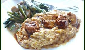 Dés volaille à la crème de maïs à la moutarde au cassis, poêlée de champignons et asperges
