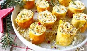 Rolls de crêpes à la faisselle de chèvre, graines germées et citron vert
