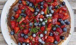 Tarte mousse au chocolat fruits rouges