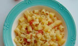 Pâtes aux pommes de terre et tomates
