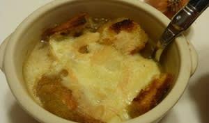 Soupe gratinée à l'oignon et au Munster