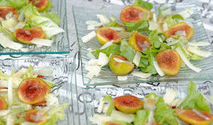Salade d'automne aux figues et fromage de brebis