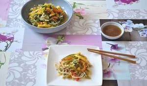 Salade de mangue, haricots verts, poivron et haricots mungo