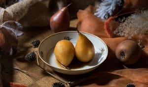 Poires pochées au safran et au miel