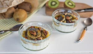 Kiwis poêlés fromage blanc et amandes caramélisées