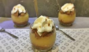Verrine de compote liégeoise au caramel beurre salé et crumble de spéculos